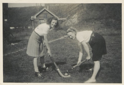 008_1946_Mariet_the_hockey_player_younger_years