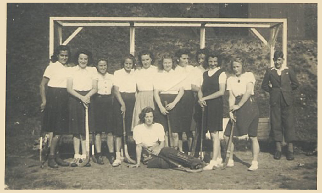 1947-48 Mariets Hockey Team - Weert