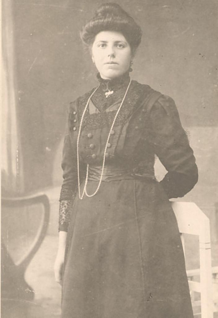 Petronella Janssen-te Baerts (in her early 20's