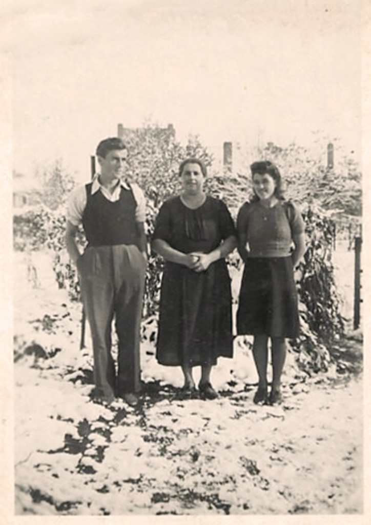 020_1939_Sjaak_Mother_Nellie_All_Saints_Day