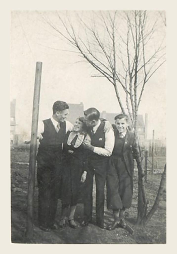 935 - Jan, Nellie, Frans & Wim