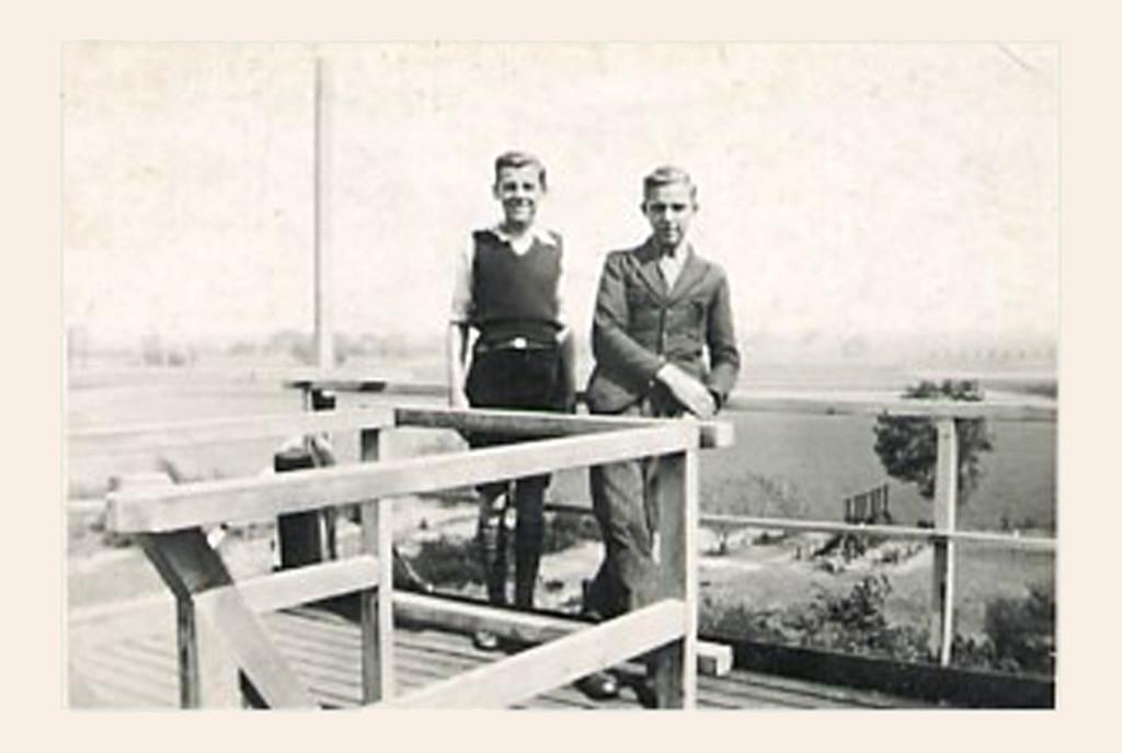 "1938 - Wim & Piet Bal on the ""bruinkool"""