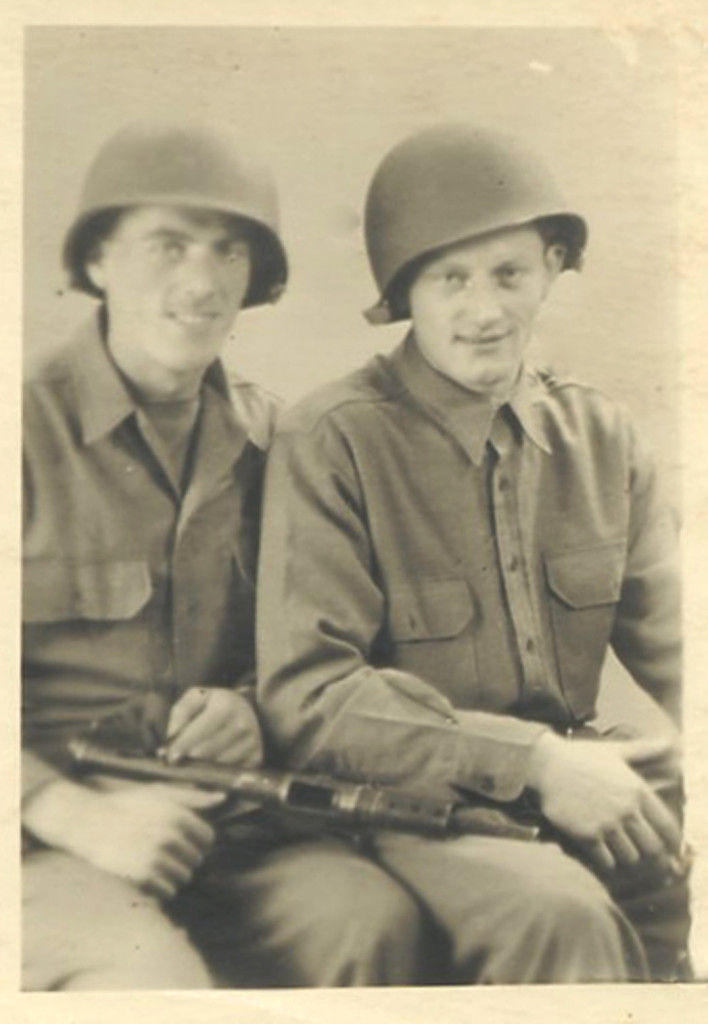 029_1944_Jack_and_Hein_Borger_in_American_uniform