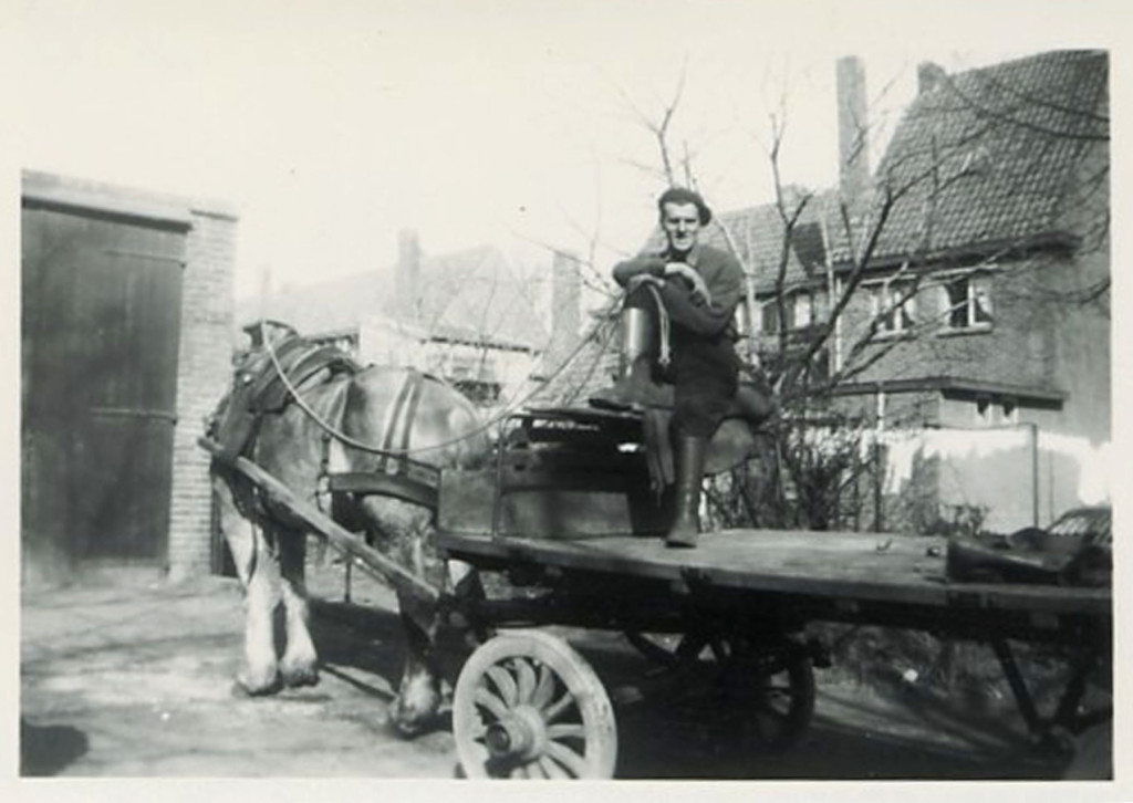 1948 - Sjaak on the delivery wagon